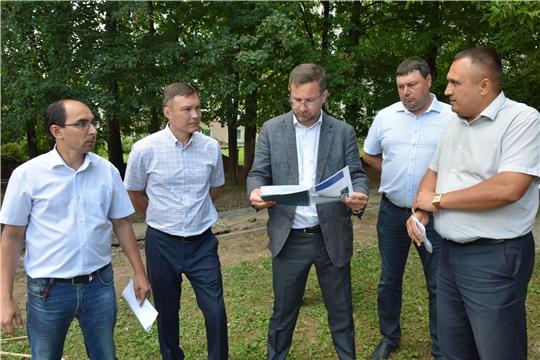 В Чебоксарах проверили ход благоустройства дворов по улице Пирогова и Московскому проспекту