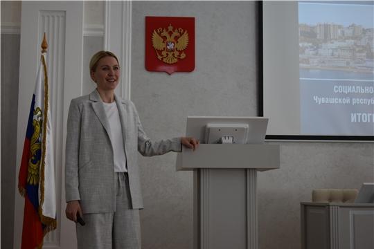Депутат Госдумы РФ Алёна Аршинова встретилась с трудовым коллективом чебоксарского предприятия