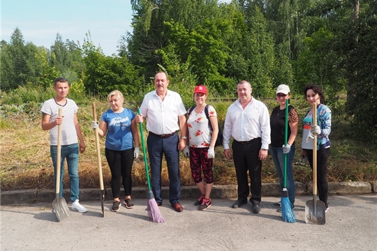 В преддверии Дня города на Чапаевском поселке провели санитарный четверг