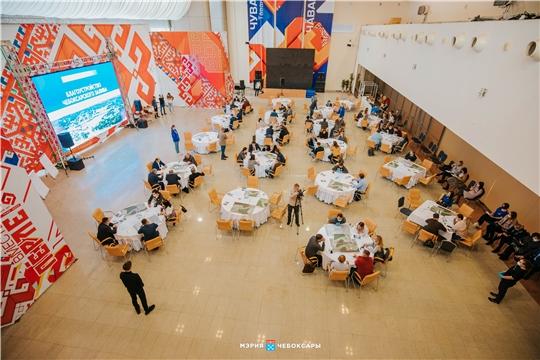 Больше 100 чебоксарцев участвовали в общественном обсуждении проекта развития территории дамбы, залива, сквера Екатерины