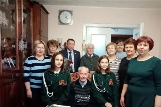 Участник Великой Отечественной войны Михаил Иванович Сорокин принимает поздравления с 95-летием