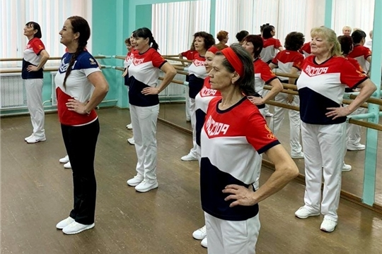 Спортивное долголетие: в Чувашии успешно реализуется проект «Фитнес-Star! Долголетие в Наших руках!»