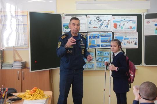 Занятия по безопасности на водных объектах в школах Новочебоксарска продолжаются