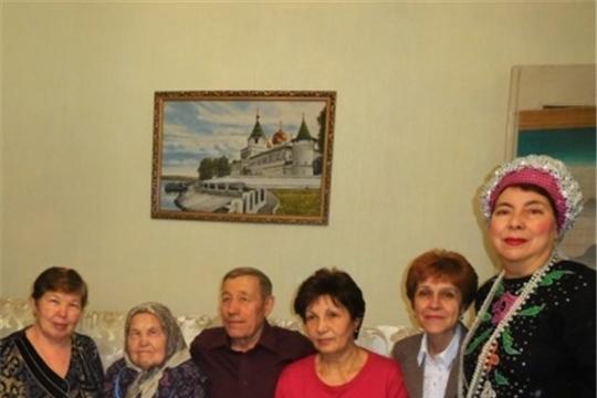 90 лет - вдове участника Великой Отечественной войны, ветерану труда  Раисе Петровне Токаревой