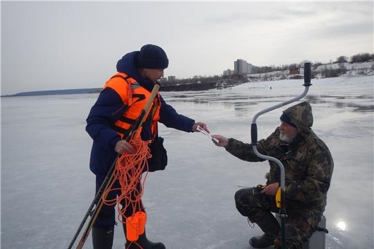г. Новочебоксарск: инспекторы ГИМС и сотрудники ГОиЧС вновь провели рейд на набережной Волги