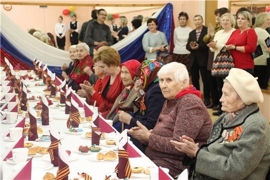 г. Новочебоксарск: на XIфестивале женских клубов состоялось вручение юбилейных медалей ветеранам Великой Отечественной войны