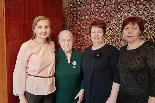 г. Новочебоксарск: в ТОС «Солнечный» состоялось вручение юбилейных медалей ветеранам Великой Отечественной войны