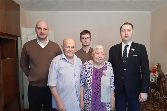 г. Новочебоксарск: продолжается вручение юбилейных медалей ветеранам Великой Отечественной войны