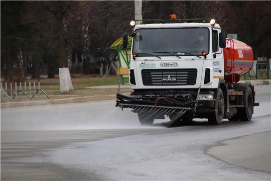 В Новочебоксарске обработку дорог и тротуаров проводят ООО «Благоустройство» и АО «Доркомсервис»