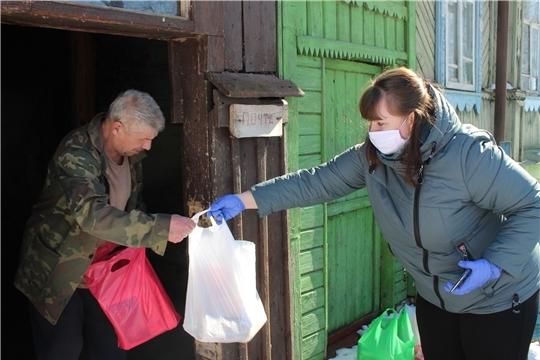 Волонтеры регионального штаба «Мы вместе» выполнили более 600 заявок о помощи от пожилых людей