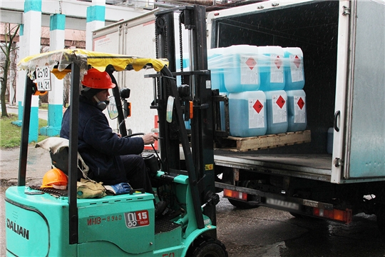 ПАО «Химпром» передает антисептики во все медицинские и социальные учреждения Чувашии в качестве благотворительной помощи