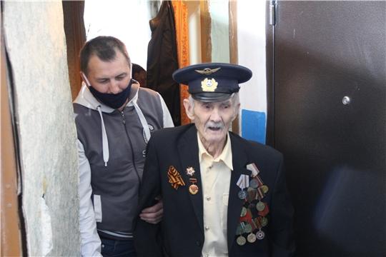 Ветеранов Великой Отечественной войны поздравляют с наступающим Днем Победы
