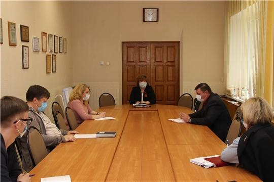 Глава администрации Ольга Чепрасова провела совещание по ремонту дворовых территорий в 2020 году