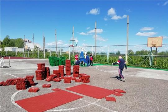 """В ледовом дворце """"Сокол"""" началось переоборудование летней тренировочно-игровой площадки"""
