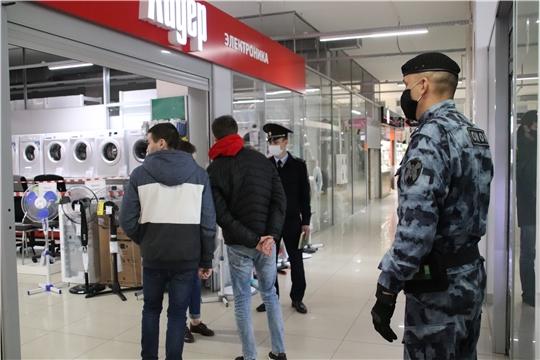 В Новочебоксарске ежедневно продолжаются рейды по проверке соблюдения изменений ограничительных мер по противодействию распространения коронавируснуй инфекции в Чувашии