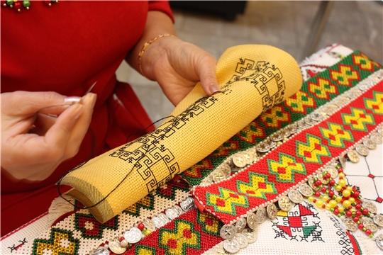 В республике впервые отметили День чувашской вышивки