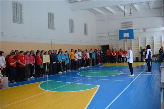 Состоялся турнир по бадминтону, настольному теннису, дартсу среди работников школ, подведомственных Минобразования Чувашии