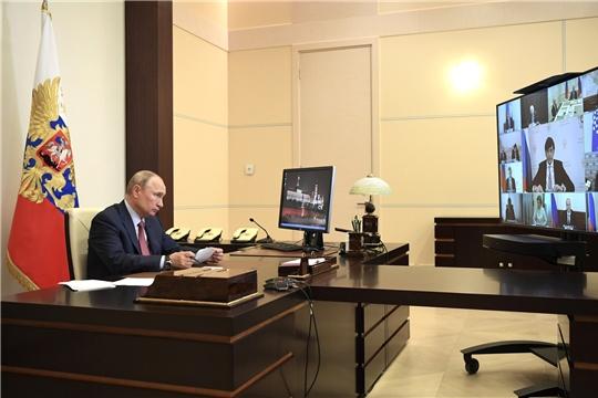 Президент России Владимир Путин: «Окончание учебного года выдалось сложным, но российская система образования и наши школьники, студенты, их наставники выдержали эти испытания достойно»