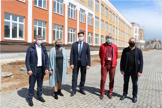 Министры проинспектировали ход строительства школы в «Новом городе»