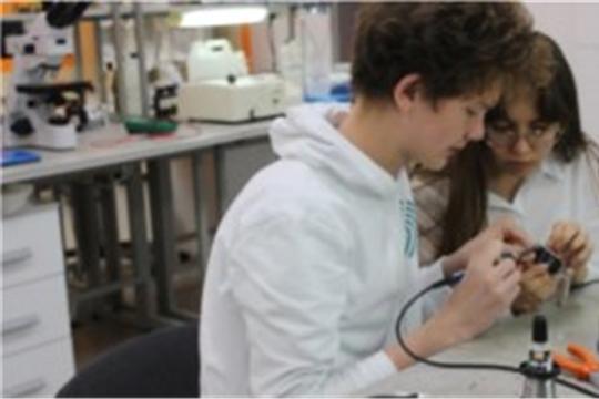 Воспитанники кванториума Чебоксар получили грант на реализацию стартапа, НТРК