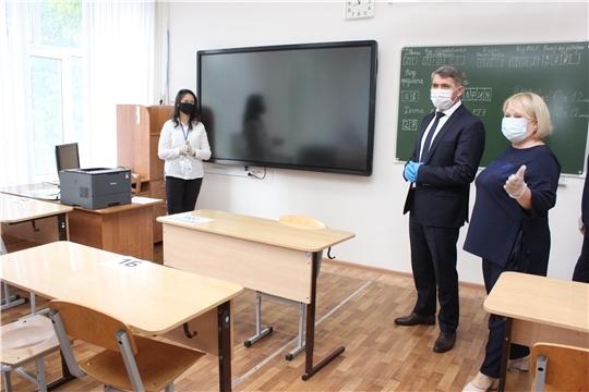 """На ЕГЭ выпускники в аудитории смогут снимать маски и перчатки, ГТРК Чувашия"""""""