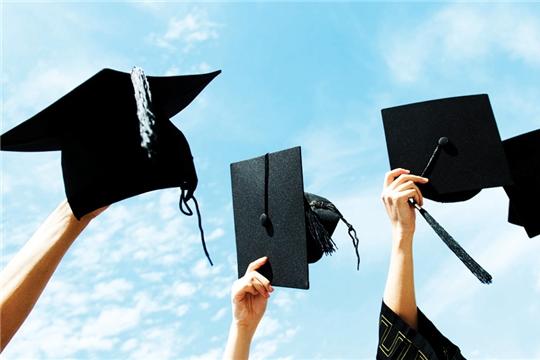 Министр образования Сергей Яковлев поздравил выпускников образовательных организаций
