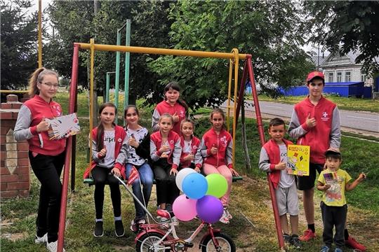 Волонтёры-медики собрали около тонны макулатуры и на вырученные деньги купили детям велосипеды