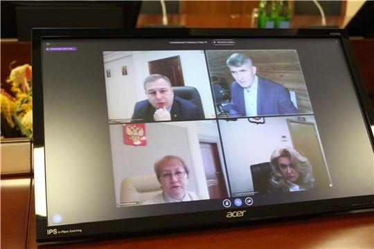 Старшеклассников Чебоксар и Новочебоксарска планируют временно перевести на дистанционное обучение
