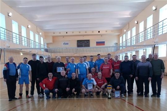 Ветераны волейбола Порецкого района – серебряные призеры Межрегионального турнира