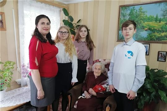 В преддверии 8 Марта Волонтёры Победы поздравили с наступающим праздником участницу Великой Отечественной войны