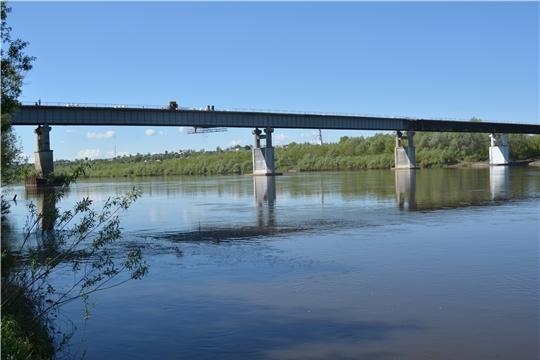 Врио главы республики Олег Николаев ознакомился с ходом проведения ремонтных работ моста через реку Сура в Порецком районе