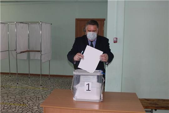 Глава администрации Порецкого района Евгений Лебедев проголосовал за внесение поправок в Конституцию РФ