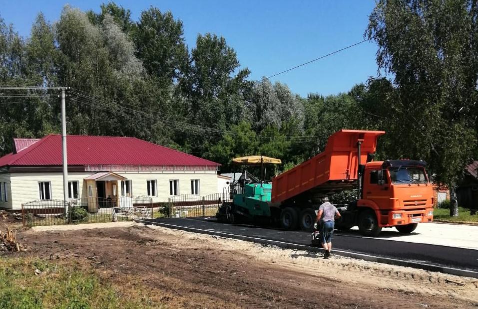 В рамках ремонта Анастасовского сельского клуба ведется благоустройство территории