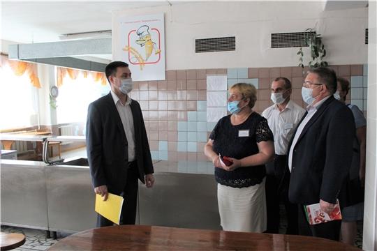 Министр образования Чувашии Сергей Яковлев с рабочим визитом посетил Порецкий район