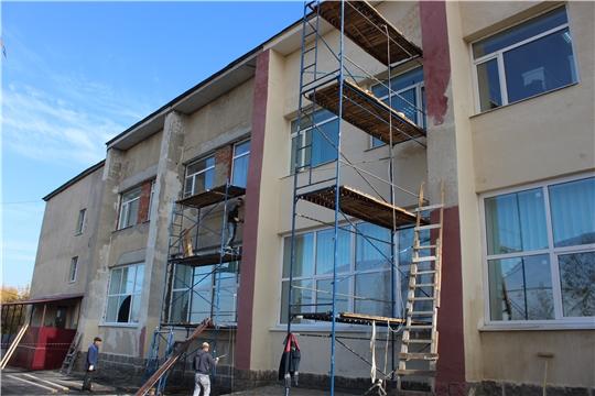 Ведется ремонт здания районного Дворца культуры