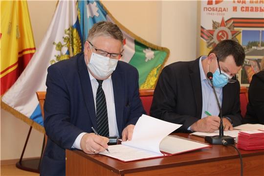 Депутаты районного Собрания депутатов утвердили на должность главы администрации Порецкого района Евгения Лебедева