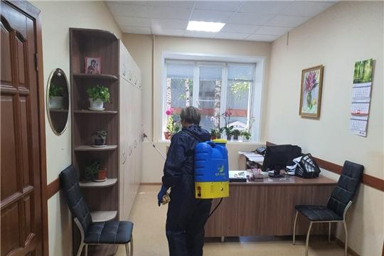 В администрации Шемуршинского района провели дезинфекционные работы