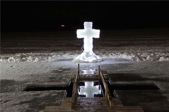 В прорубь – подготовленным: основные правила крещенских купаний