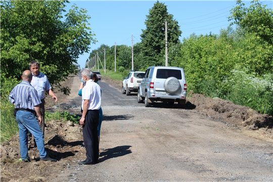 Глава администрации района ознакомился с ходом ремонта дороги в с. Большие Алгаши