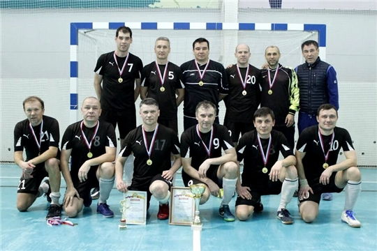 Футболисты-ветераны республики определили сильнейших в мини-футболе