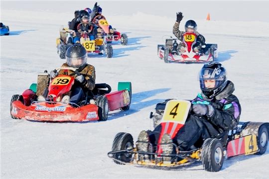 На льду Чебоксарского залива прошли республиканские соревнования по картингу