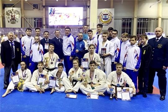 Сборная Чувашии по киокусинкай вернулась с медалями чемпионата и первенства Поволжья