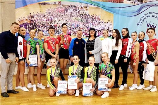 Сборная Чувашии по спортивной аэробике вернулась с медалями чемпионата и первенства Поволжья