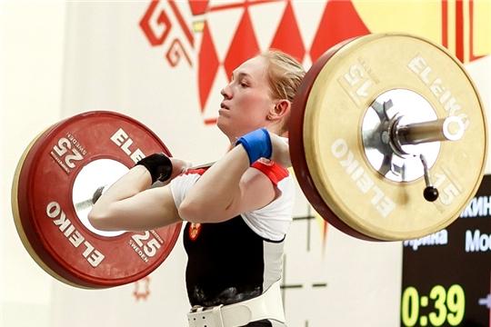 В Чебоксарах прошел чемпионат Чувашии по тяжелой атлетике