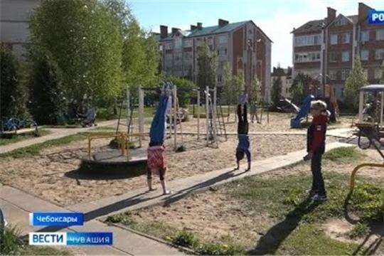 Чувашские гимнастки поддерживают форму тренировками на свежем воздухе