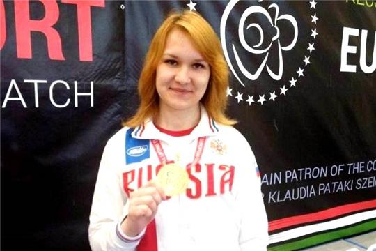 Чемпионка мира по гиревому спорту Анастасия Александрова об усиленных тренировках на самоизоляции