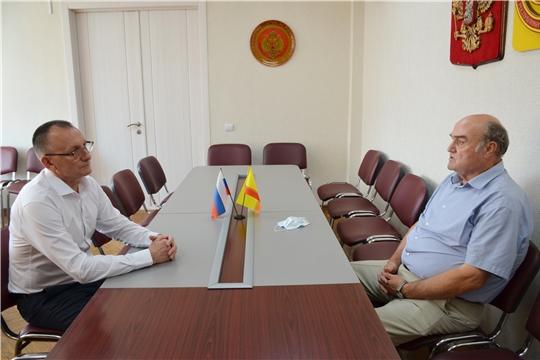 Рабочая встреча Василия Петрова с заместителем Председателя Госсовета Чувашии Юрием Кисловым
