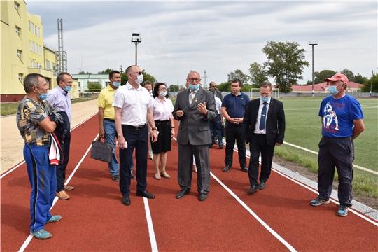 Министр физической культуры и спорта Чувашии Василий Петров посетил г.Канаш и ознакомился с работой городских спортшкол