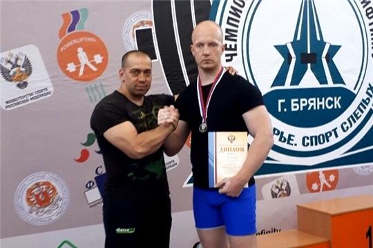 Никита Линик – двукратный серебряный призер чемпионата России по пауэрлифтингу среди слепых