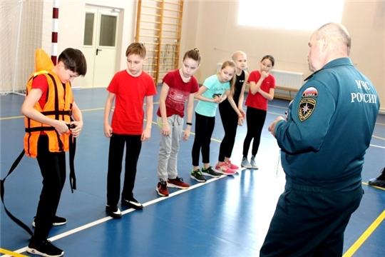 К 30-летию МЧС России проходит межрегиональное командное первенство по спасательному многоборью